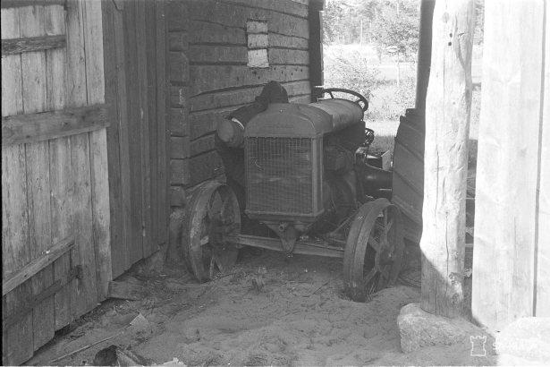 Traktori.